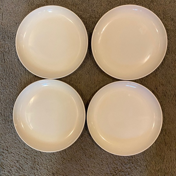 Vintage Tupperware Salad Server with lid and 6 stackable platesdishes